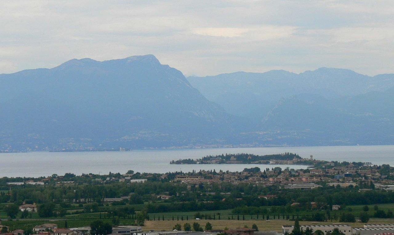 San_Martino_della_Battaglia_-_Aussicht_Gardasee_2_Sirmione