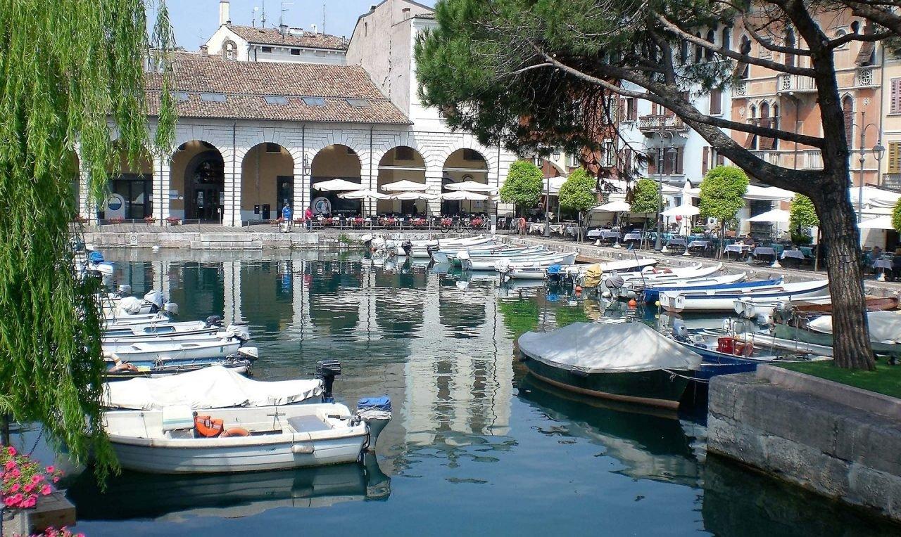 dock-town-canal-summer-vacation-idyllic-490906-pxhere.com